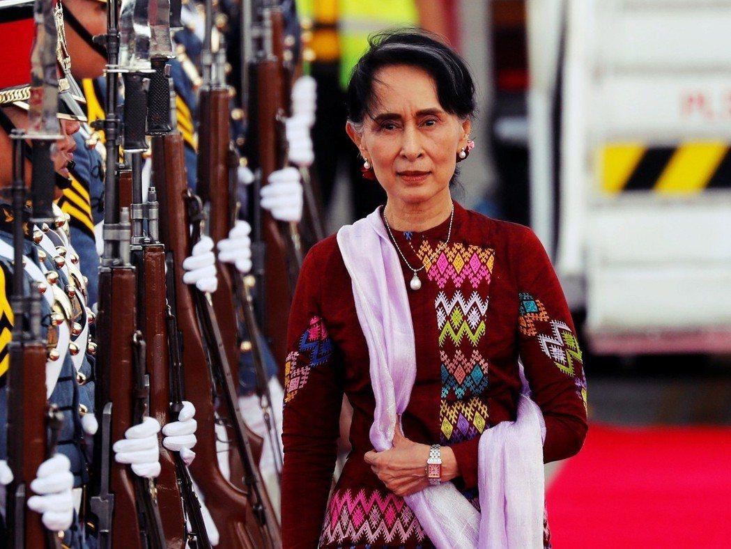「她是誰?她是緬甸國父之女啊!」看來翁山蘇姬的地位顯然不是一般緬甸女性能夠隨便達...