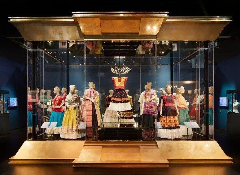 從墨西哥芙烈達 · 卡蘿博物館(Museo Frida Kahlo)空運到英國展...