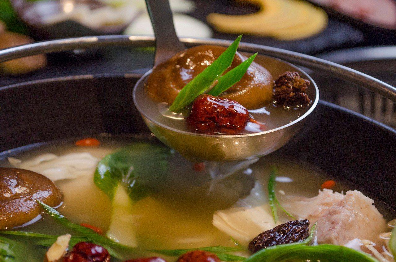 (圖/台灣旅行趣) ▲「孜然蒙古鍋」擁有濃郁的孜然香。