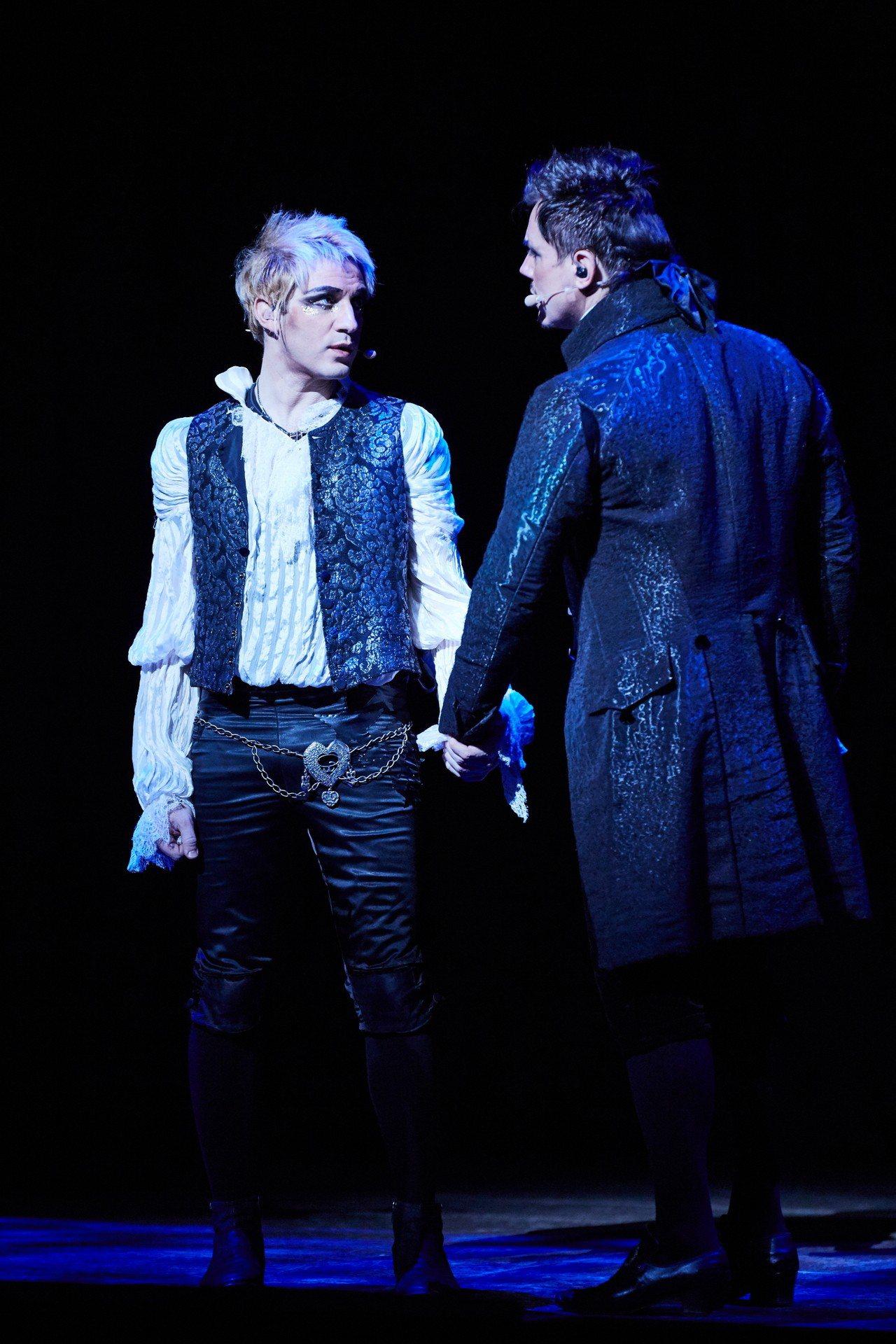 在音樂劇「搖滾莫札特」飾演莫札特的米開朗基羅•樂孔特(Mikelangelo L...