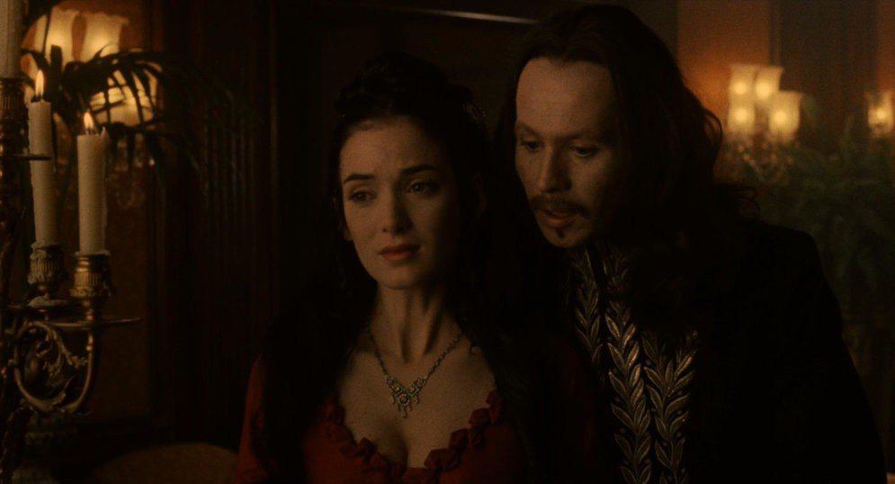 薇諾娜瑞德與蓋瑞歐德曼在「吸血鬼」也有浪漫對手戲。圖/摘自imdb