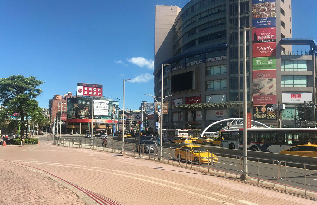 淡水街景。記者游智文/攝影