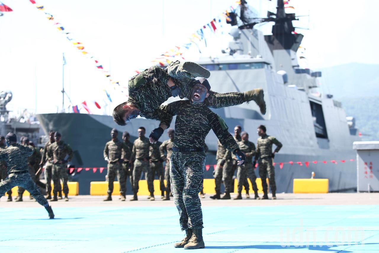 海軍陸戰隊格鬥操演。記者蘇健忠/攝影