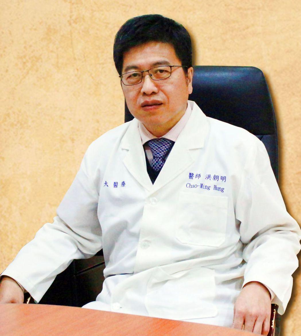 義大癌治療醫院院長洪朝明建議孕婦,產檢時順道做乳房超音波檢查,排除罹患乳癌的風險...
