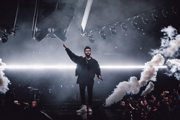 獲2017年網路點聽率最高專輯認證、連續佔據告示牌排行榜前十名時間最長的男歌手等兩項金氏世界紀錄的潮流系音樂魔人威肯(The Weeknd),成為被台灣歌迷瘋狂點名希望來台開唱的熱門人選,如今這個願...