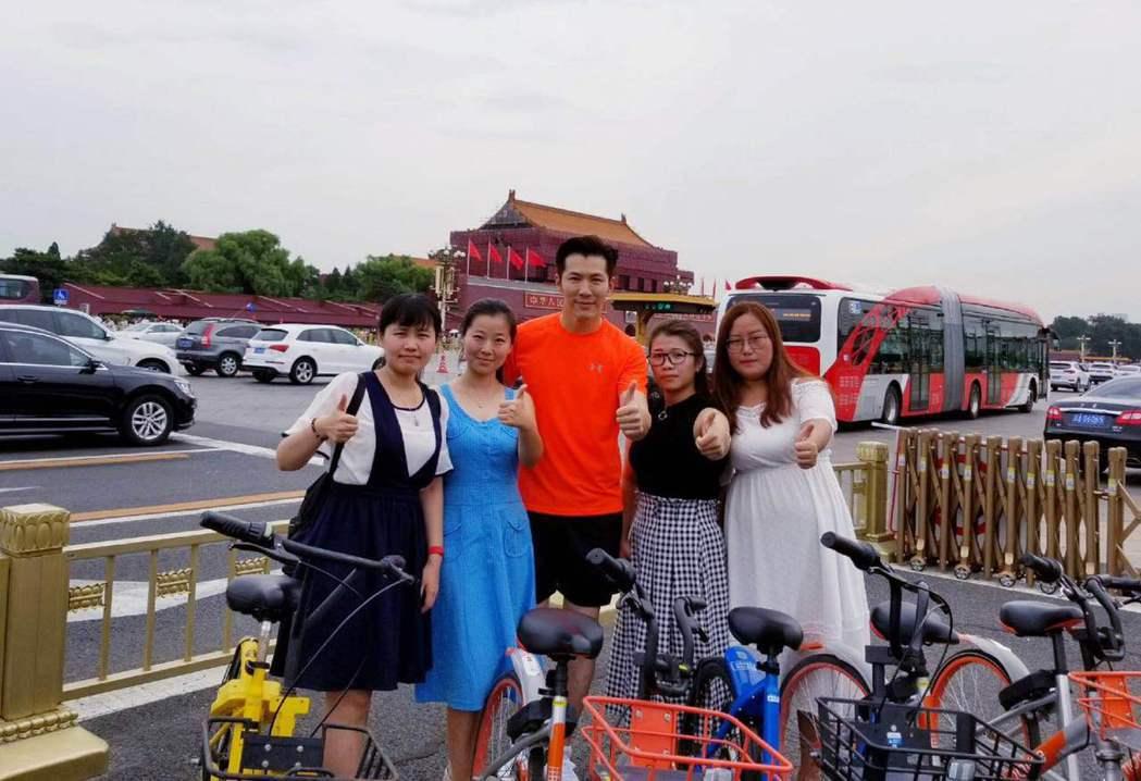 黃少祺到北京不忘晨跑。圖/華人創作提供