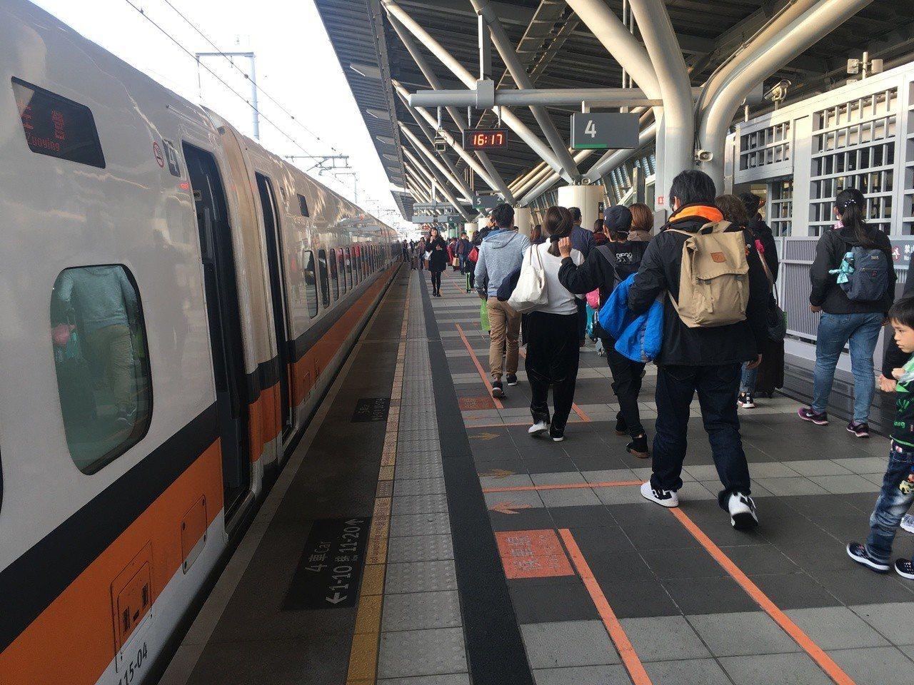 台灣高鐵中秋期間加開班次,本周六開放購票。本報系資料照