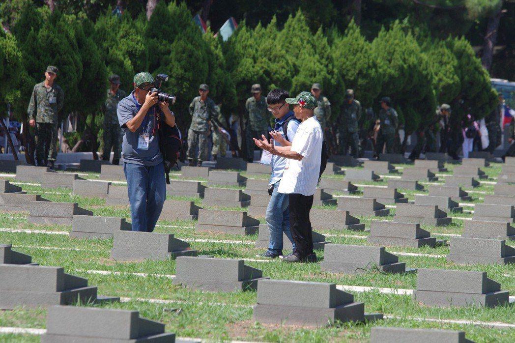 在「尋找自己墳墓」的宋金輝老先生。記者程嘉文/攝影