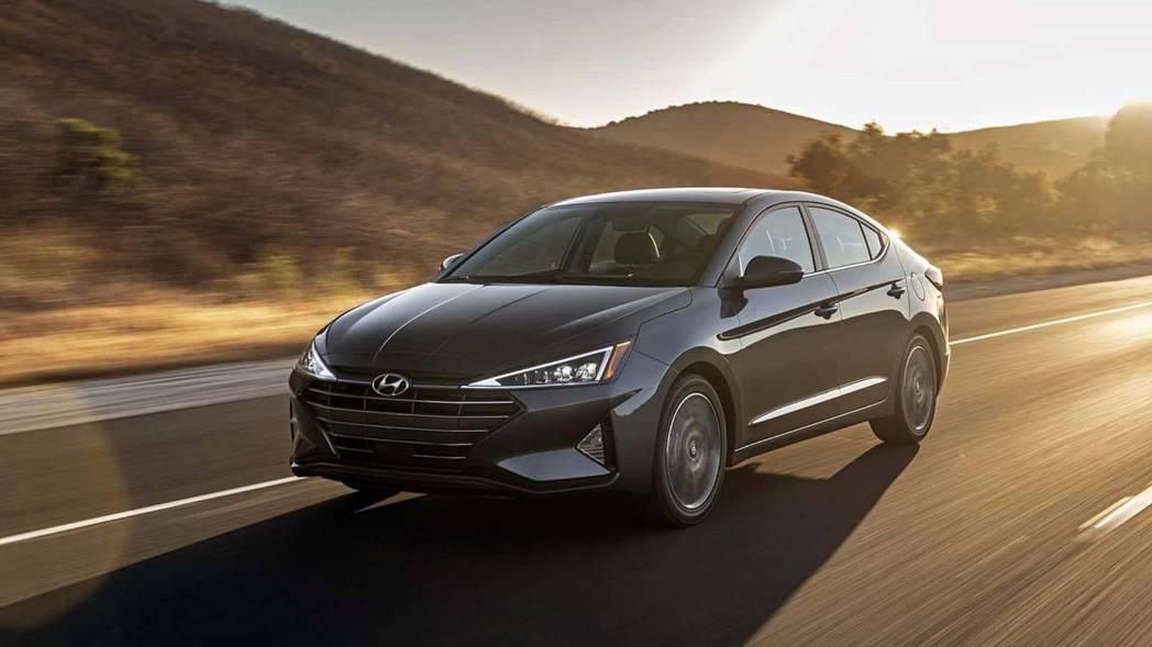他不是大改款,他是不說你不會相信的小改款Hyundai Elantra。 摘自Hyundai
