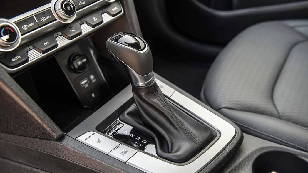 小改款Hyundai Elantra唯一不變的是其動力配置。 摘自Hyundai