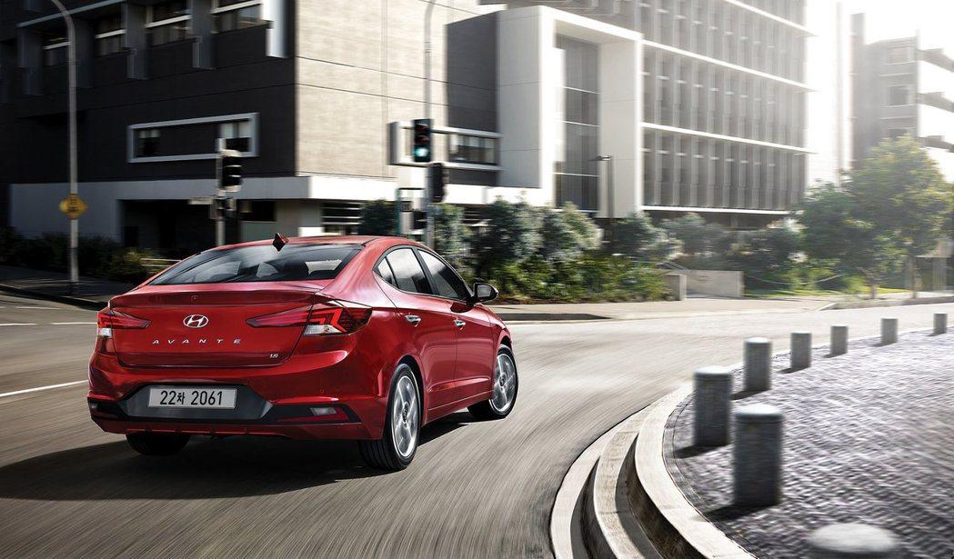 小改款Hyundai Elantra預計今年秋季將在全美上市,而韓版(Avante)則預計在下月初正式發表。 摘自Hyundai