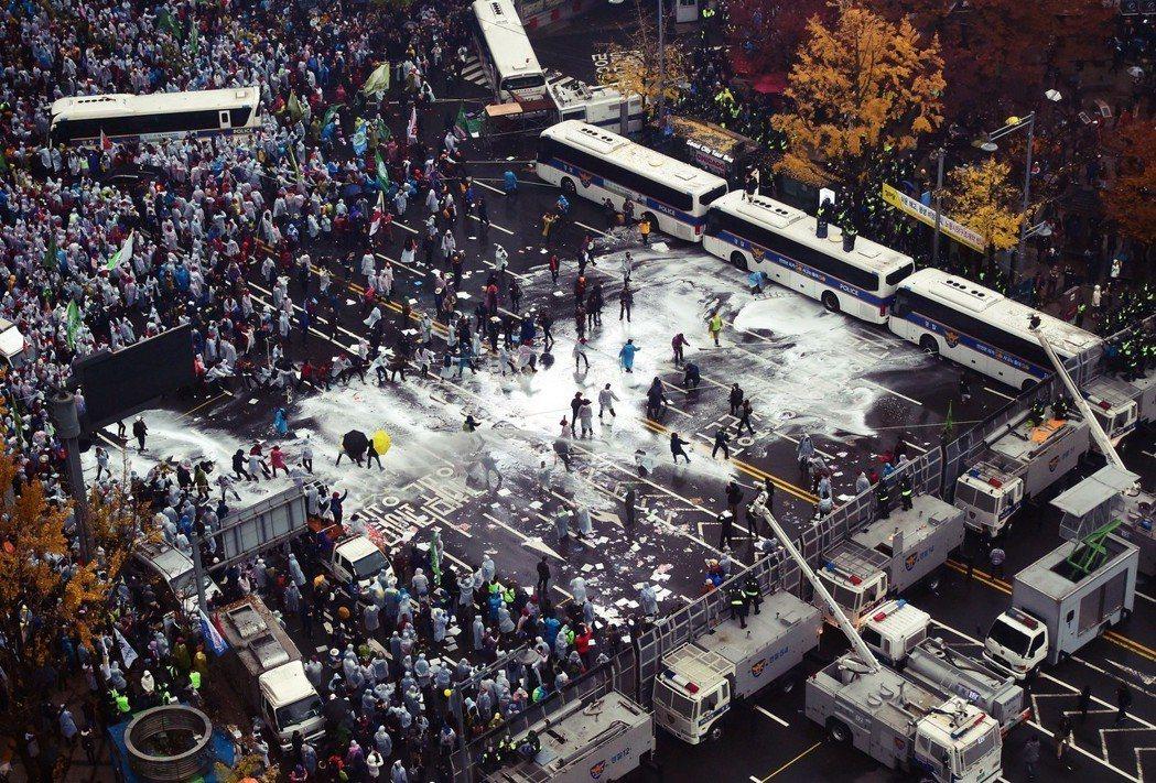 「我們判斷(警方的)這些行為,全部都是侵犯國民集會與示威的自由...。」圖為20...