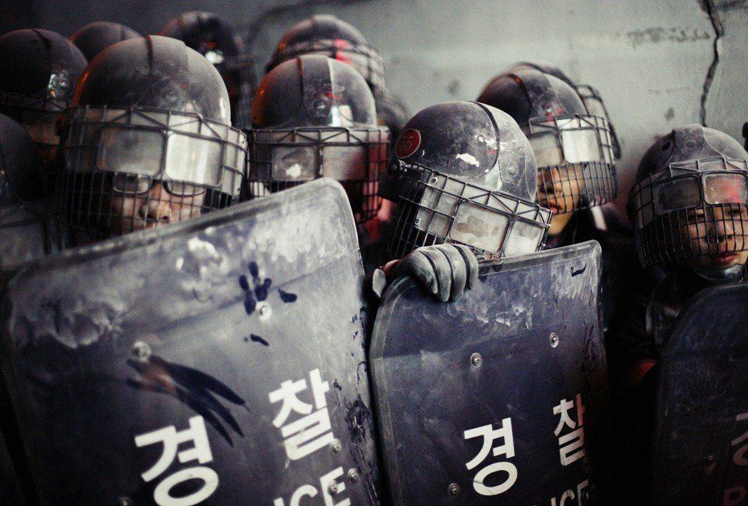 白南基事件案情,如今有了進一步釐清與判定,但能否真正牽引警方走向革新,南韓社會仍...