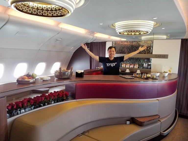 多哈~曼谷航班因為根本沒甚麼人搭,所以只有我一個人在酒吧 圖文來自於:TripP...