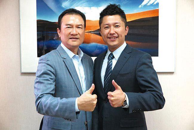 理財周刊發行人洪寶山(左)、Curves台灣區執行長林宏遠(右)