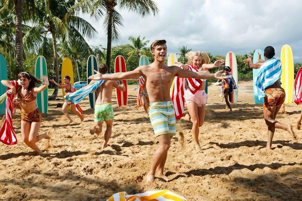蓋瑞特克雷頓因迪士尼「青春海灘電影」崛起。圖/摘自Instagram