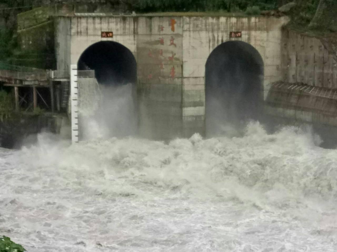 曾文水庫蓄水率約77.6%,晚上8點開始調節性放水。圖/南水局提供