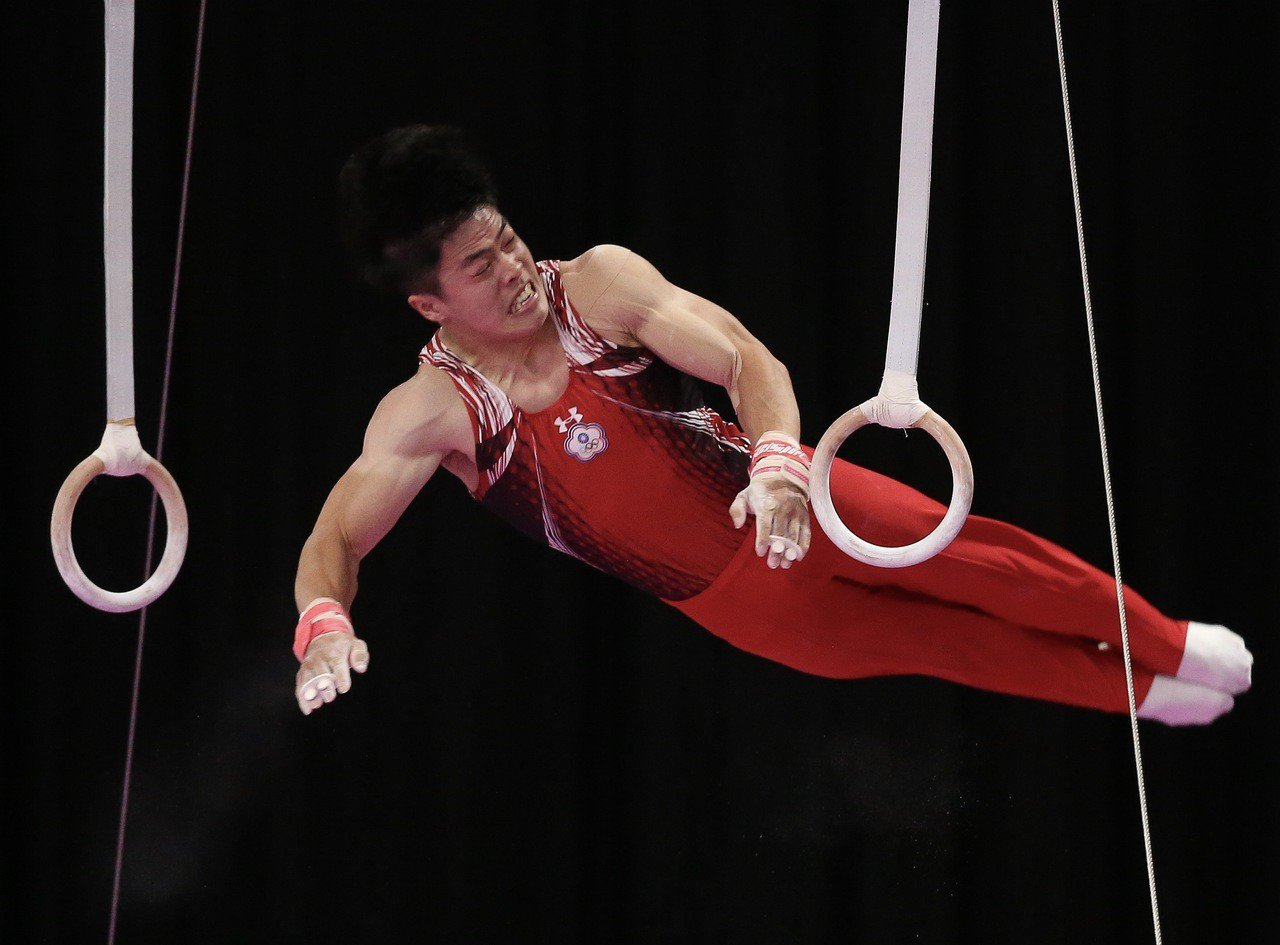 陳智郁吊環決賽帶傷演出。特派記者余承翰/雅加達攝影