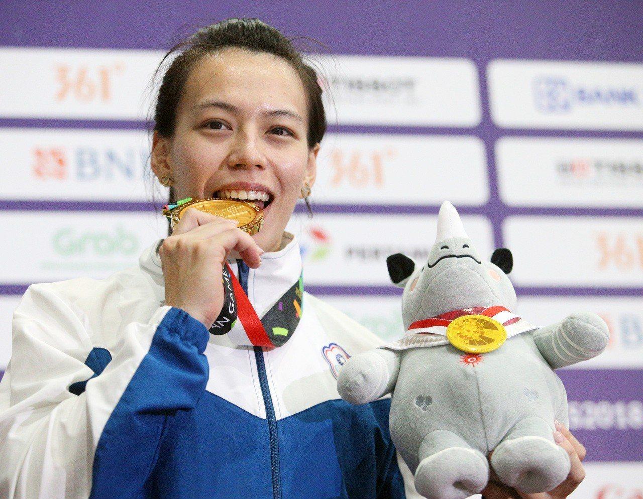 台灣女將郭婞淳在雅加達亞運女子58公斤級摘下金牌。特派記者陳正興/雅加達攝影