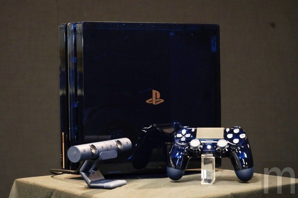 PlayStation 4 Pro 500 Million Limited Ed ...