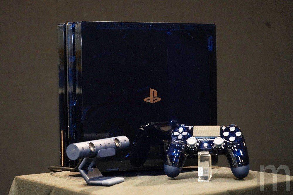 PlayStation 4 Pro 500 Million Limited Ed...