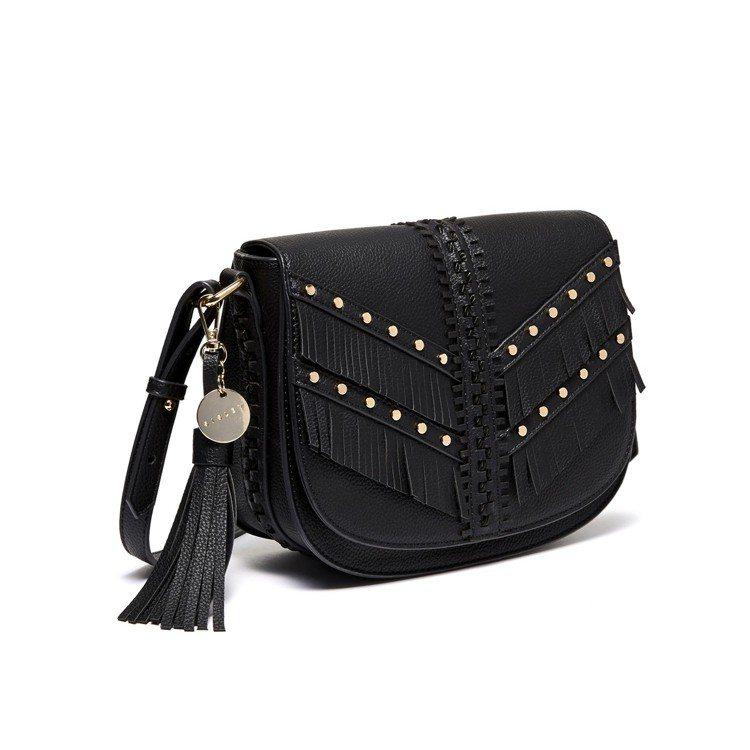 黑色皮革飾流蘇包,售價2,680元。圖/Sisley提供