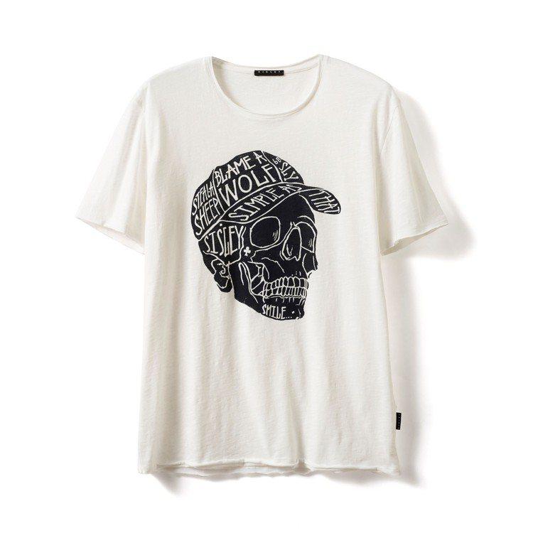 男款白色骷顱塗鴉T恤,售價1,380元。圖/Sisley提供