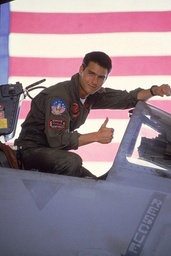 32年前「捍衛戰士」讓湯姆克魯斯登上國際巨星寶座。圖/摘自imdb