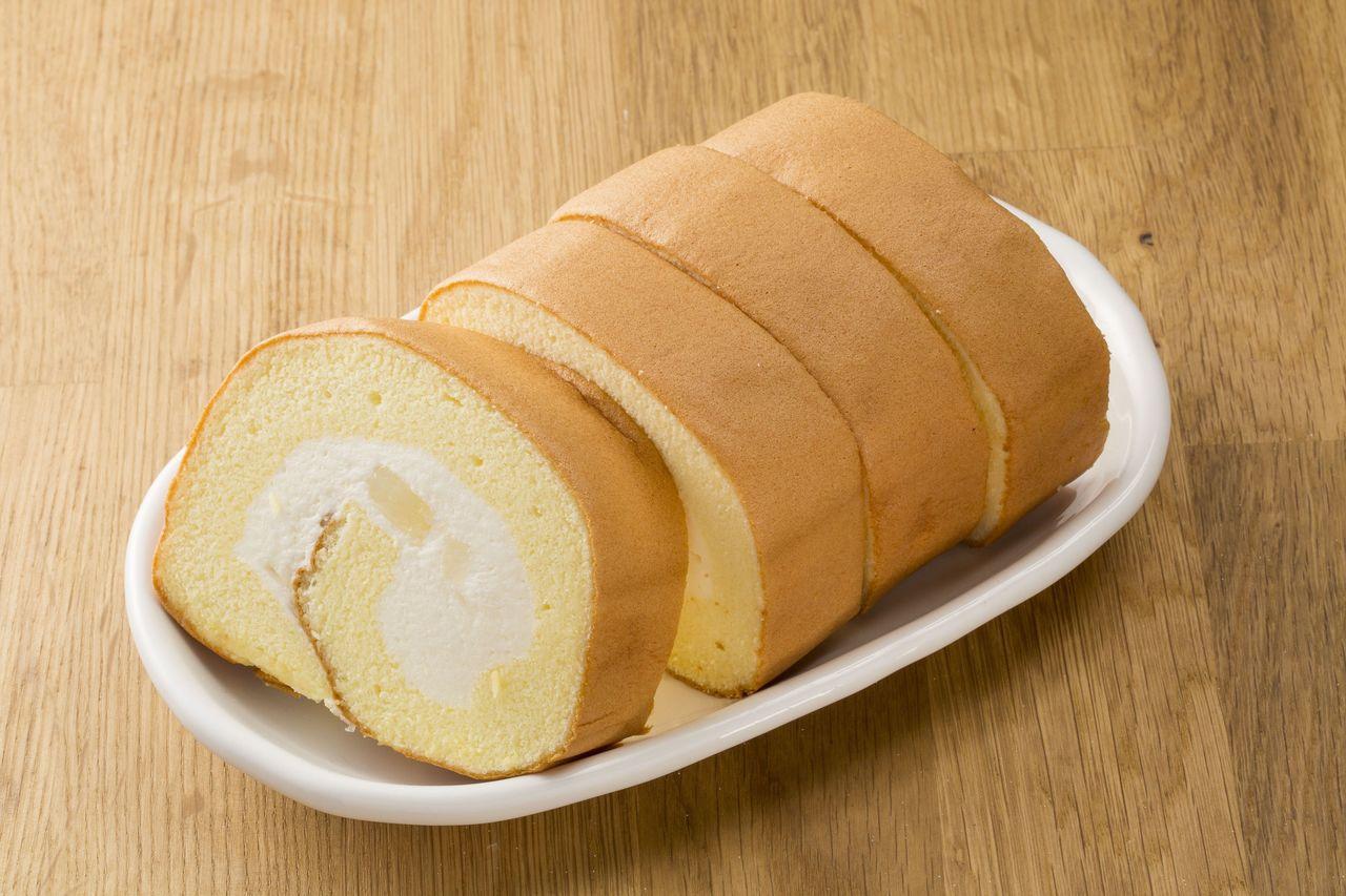 檸檬寒天冰心捲蛋糕,70g*4入/盒,售價79元。圖/全聯提供