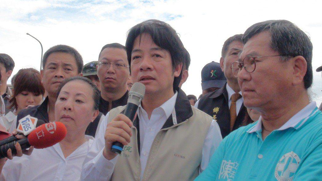 賴清德(右二)表示「治水成敗一切責任他扛,一切責難到他為止」。記者謝恩得/攝影