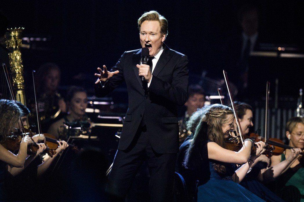 柯南(Conan O'Brien)的節目將從2019年開始,從1個小時縮減為30...