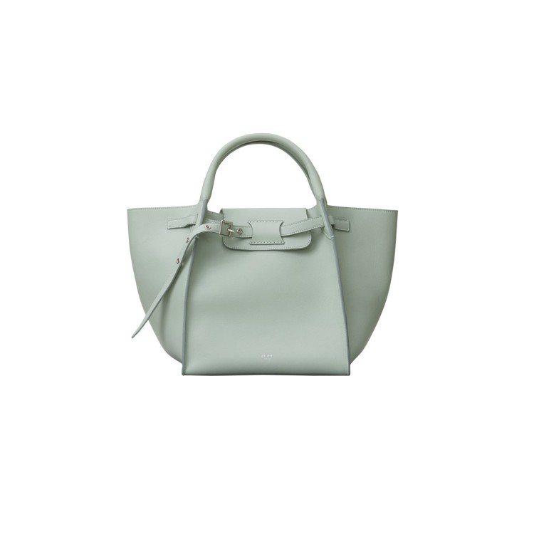 Big Bag杏綠色小牛皮肩背提包,售價99,000元。圖/CÉLINE提供