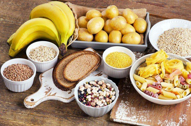 近幾年被減肥者奉為聖經的阿金特斯飲食、生酮飲食,因其極低的碳水化合物攝取,引起許...