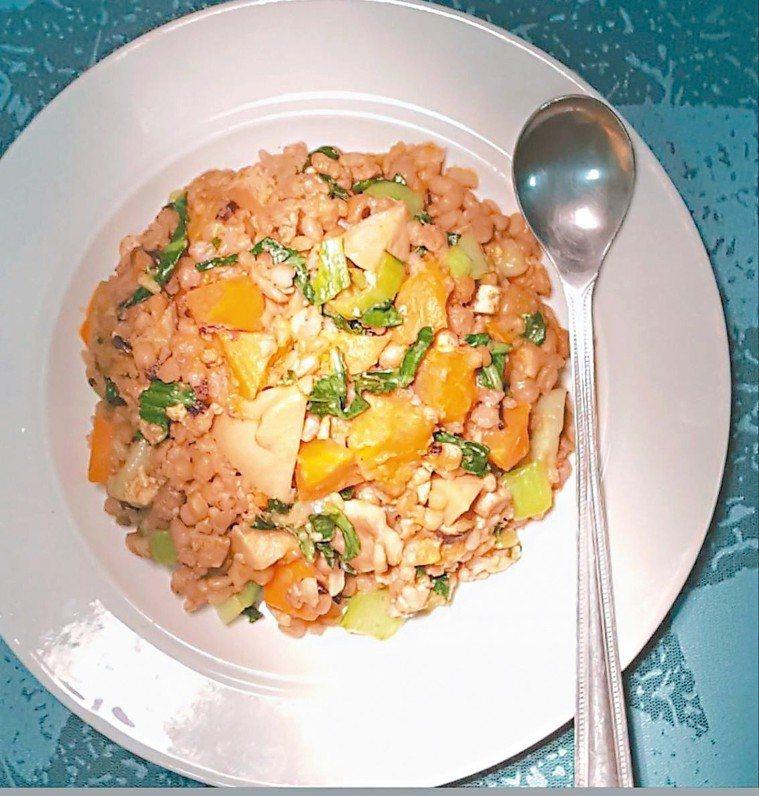 南瓜鮮菇十穀米菜飯 圖/林芝蕙提供
