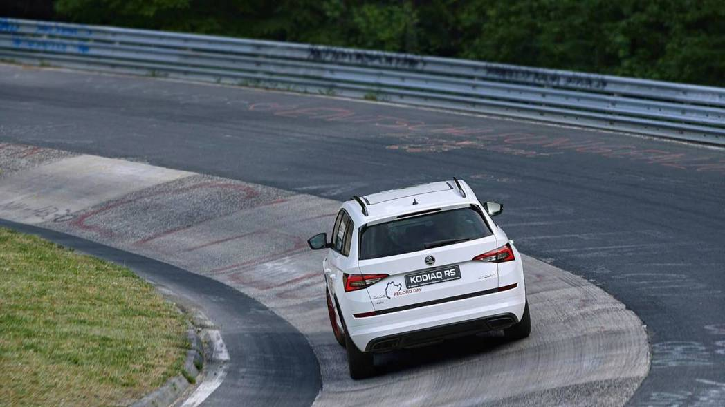 Škoda Kodiaq RS挑戰紐柏林賽道。 摘自Škoda
