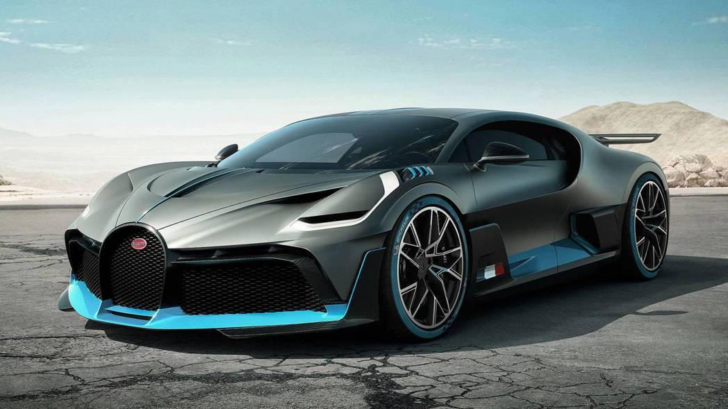 Bugatti Divo是以Bugatti Chiron為基礎改良而成。 摘自B...
