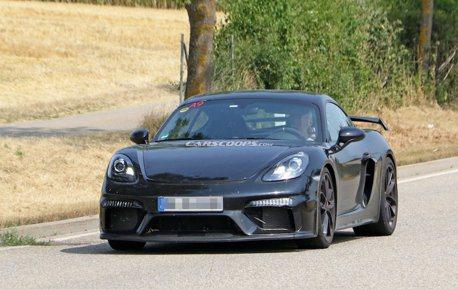 2019 Porsche Cayman GT4 紐伯林再現身 無偽裝測試中