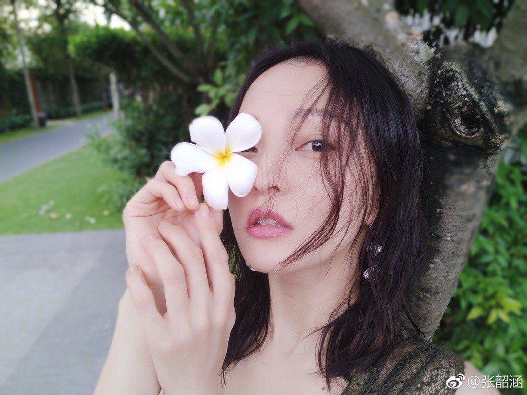 張韶涵常在微博分享個人美照。