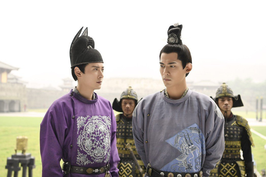 周渝民(右)與韓棟間的兄弟情誼,網友歪樓湊作堆。圖/KKTV提供