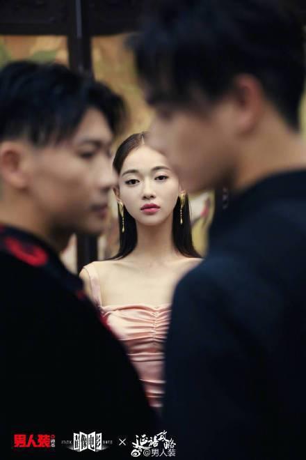 許凱、吳謹言、聶遠拍攝《男人裝》静像電影與《延禧攻略》合作的首波電子特刊。圖/摘...