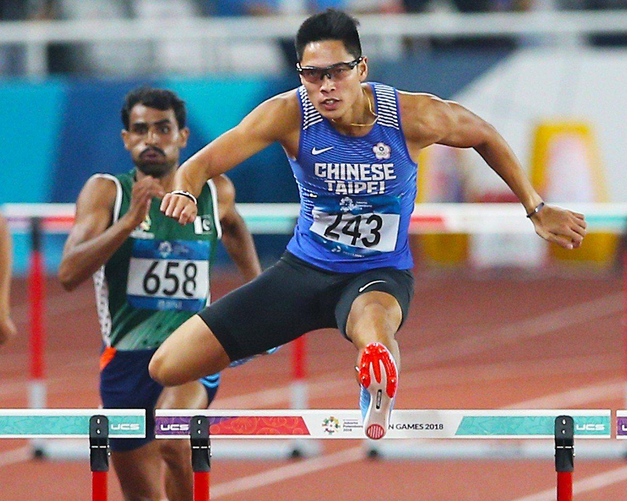 陳傑在男子400公尺跨欄準決賽排名第1,晉級明天決賽。特派記者陳正興/雅加達攝影