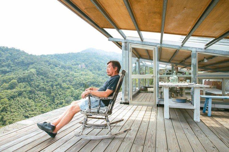 藝術家莊普在台北過著南歐的自在生活。 記者陳立凱/攝影