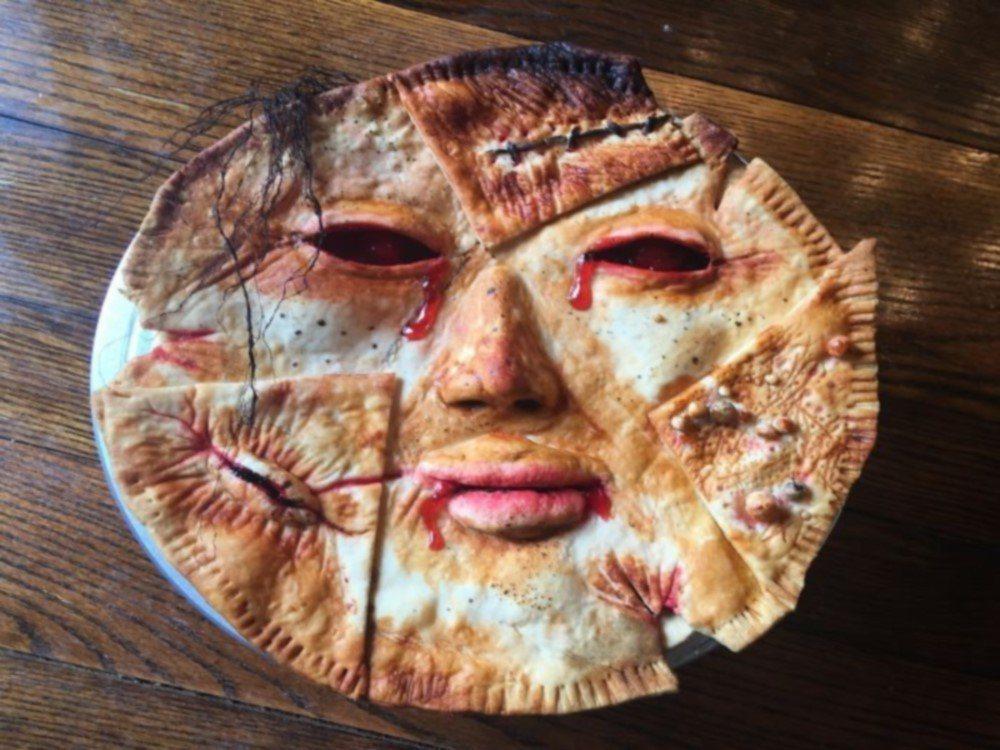 店家製作的人臉餡餅 圖片來源/guy meets cake facebook