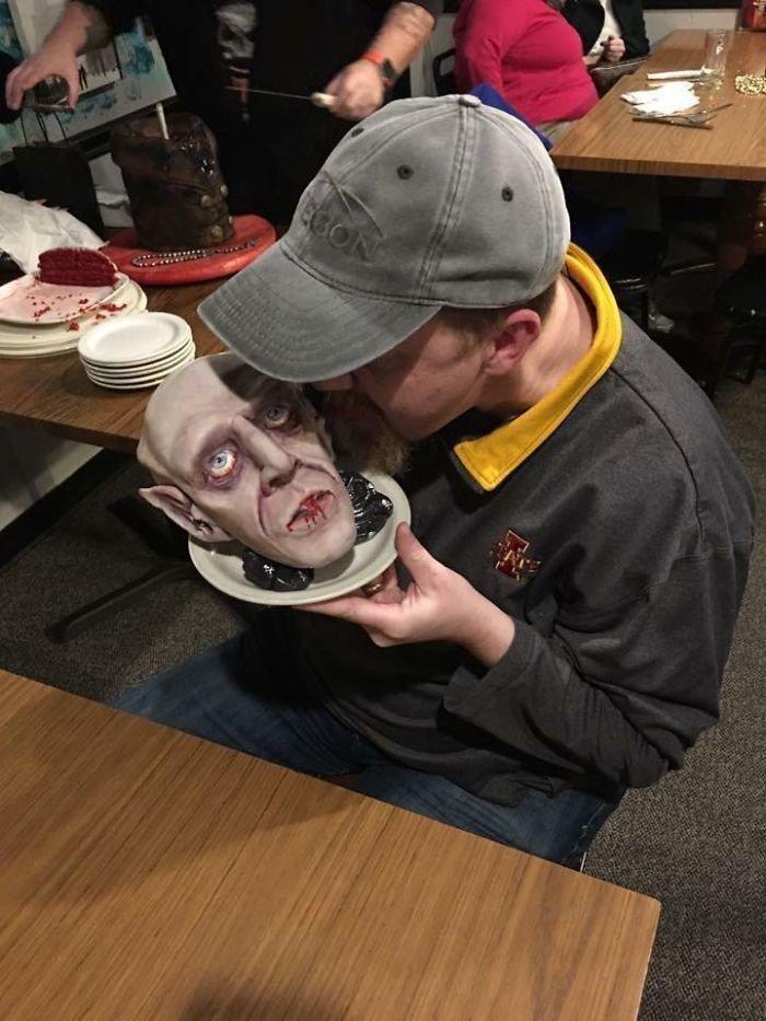 圖片來源/guy meets cake facebook