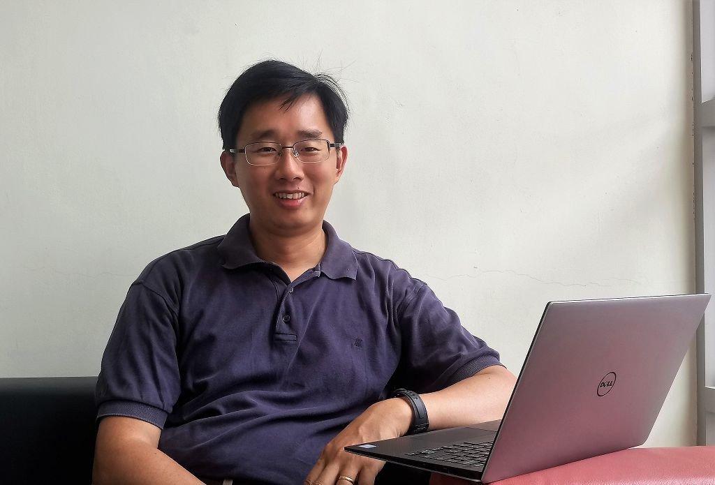 楊智傑的因果關係數學式,成功解決諾貝爾獎得主無法解決的問題。圖/陽明大學提供