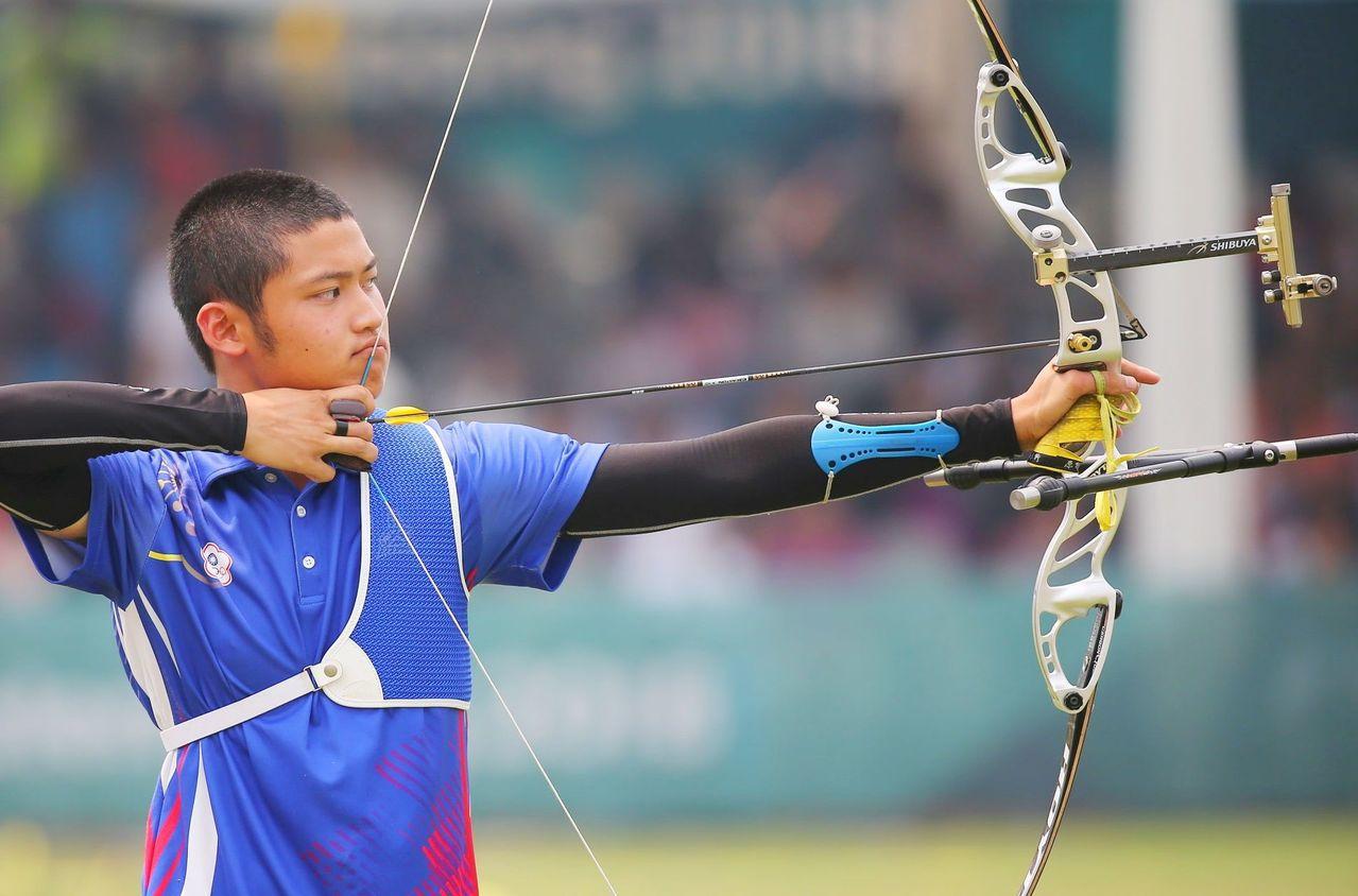 17歲小將湯智鈞,第一次參加亞運就射下男團金牌。特派記者陳正興/雅加達攝影