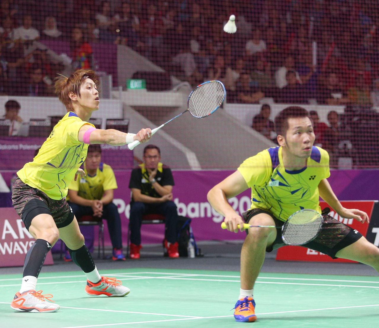 李哲輝(左)和李洋苦戰3局無緣晉級。特派記者陳正興/雅加達攝影