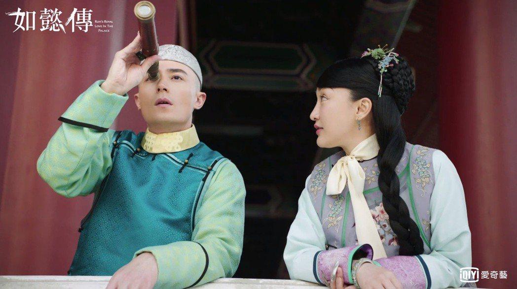 霍建華(左)與周迅在「如懿傳」中有一段「年少情意」。圖/愛奇藝台灣站提供