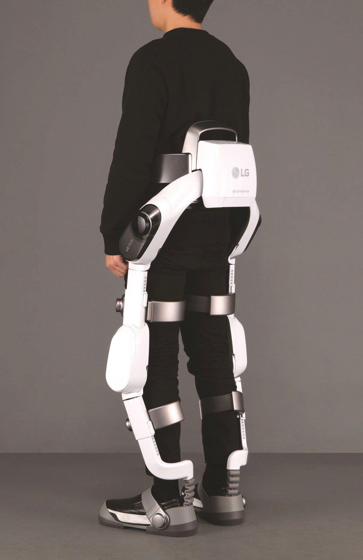 CLOi SuitBot採用舒適合身的設計與流暢的旋轉關節。圖/LG提供