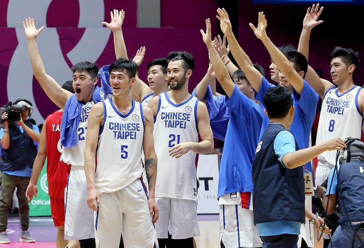 中華男籃在雅加達亞運八強賽以82比75擊敗敘利亞隊。特派記者余承翰/雅加達攝影
